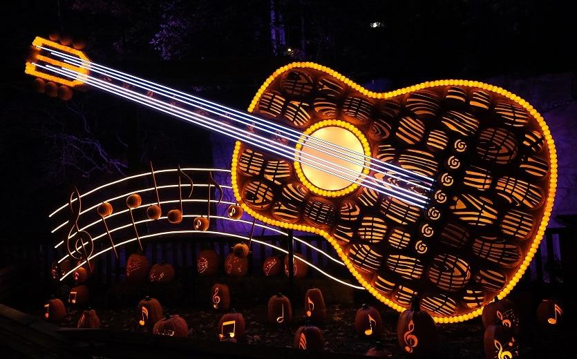 great-pumpkin-luminights-guitar-835x520-1